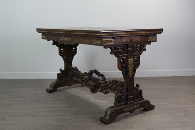 Lot 1263 - AN EARLY 20TH CENTURY CHINESE EXTENDING DINING TABLE