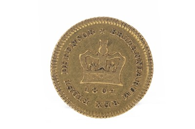 Lot 136 - GEORGE III (1760 - 1820) THIRD GUINEA DATED 1804
