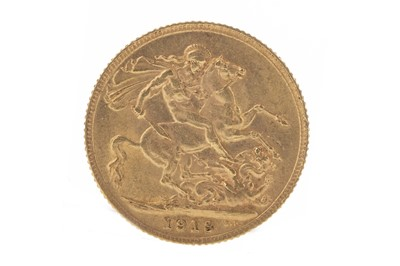 Lot 139 - GEORGE V (1910 - 1936) GOLD SOVEREIGN DATED 1913