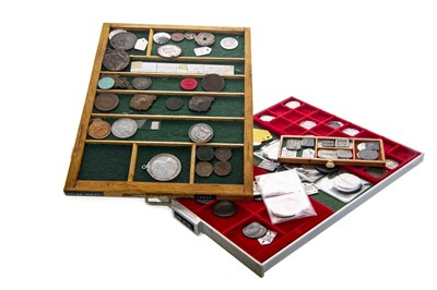 Lot 159 - A GROUP OF BRITISH TOWN TOKENS, HALFPENNIES AND PENNIES