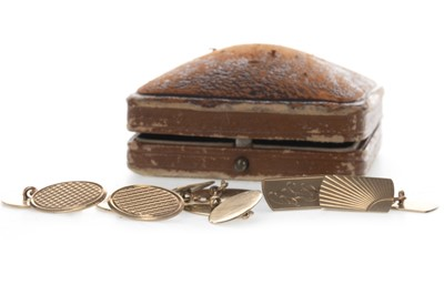 Lot 814 - THREE PAIRS OF GOLD CUFFLINKS