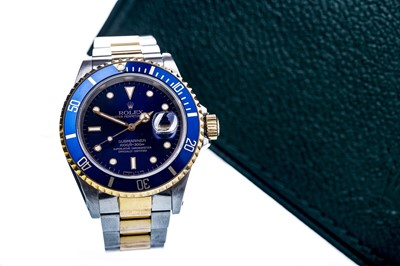Lot 863-A GENTLEMAN'S ROLEX OYSTER PERPETUAL DATE SUBMARINER STAINLESS STEEL BI COLOUR AUTOMATIC WRIST WATCH