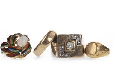 Lot 823 - A GROUP OF FOUR RINGS