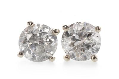 Lot 846-A PAIR OF DIAMOND STUD EARRINGS
