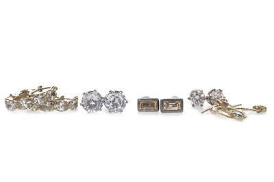 Lot 861 - A GROUP OF GEM SET EARRINGS
