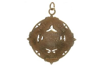Lot 1741 - JIM BROGAN OF CELTIC F.C. - HIS SCOTTISH FOOTBALL LEAGUE CHAMPIONSHIP MEDAL 1971/72