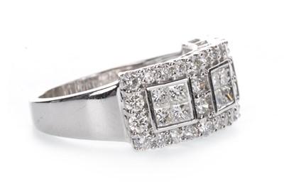 Lot 887-A DIAMOND DRESS RING