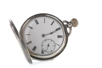 Lot 711 - A GENTLEMAN'S TUDOR STAINLESS STEEL MANUAL WIND WRIST WATCH AND A SILVER POCKET WATCH