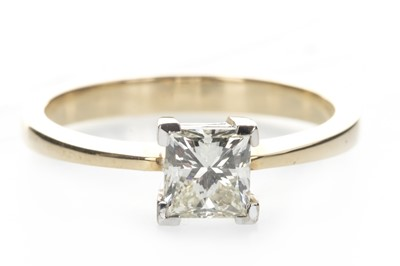 Lot 348-A DIAMOND SOLITAIRE RING