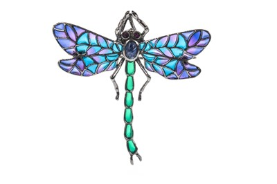 Lot 901 - A PLIQUE A JOUR DAMSELFLY BROOCH