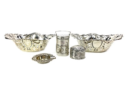 Lot 442 - A PAIR OF EARLY 20TH CENTURY SILVER BONBON DISHES ALONG WITH AN ASHTRAYM PILLBOX AND PEPPERETTE