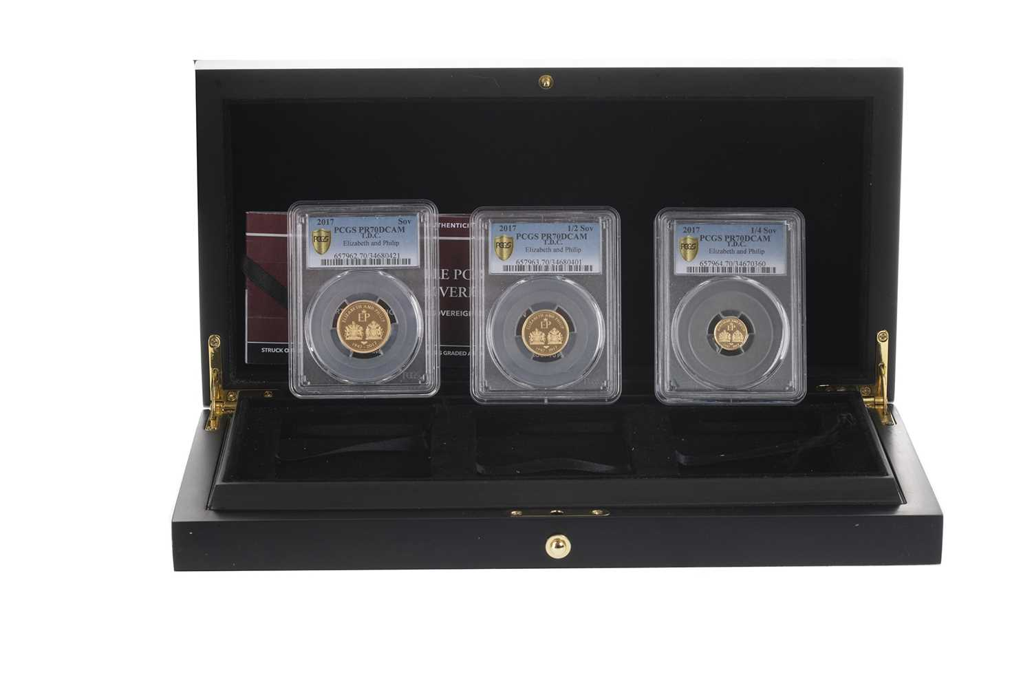Lot 17-THE 2017 DOUBLE PORTRAIT DELUXE GOLD SOVEREIGN SET