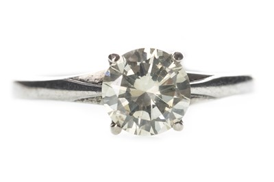 Lot 323-A DIAMOND SOLITAIRE RING