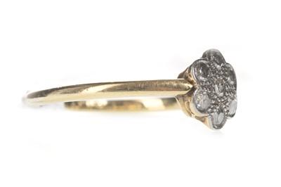 Lot 324-A DIAMOND DAISY CLUSTER RING