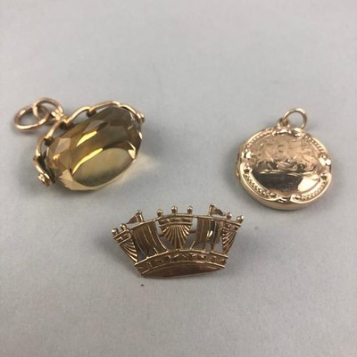 Lot 2-A NINE CARAT GOLD CORONET BROOCH, ANOTHER BROOCH AND A FOB