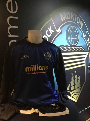 Lot 16-CAMERON BLUES' TRAINING KIT