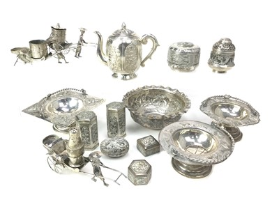 Lot 704-A LOT OF CHINESE SILVER AND WHITE METAL ITEMS