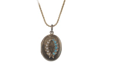 Lot 1302-A GOLD CHAIN WITH SPHERICAL BALLS AND A GEM SET LOCKET