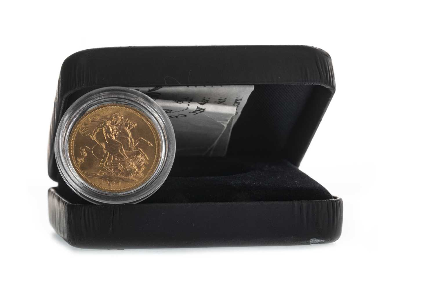 Lot 11-A QUEEN ELIZABETH II (1952 - PRESENT) GOLD SOVEREIGN DATED 1967