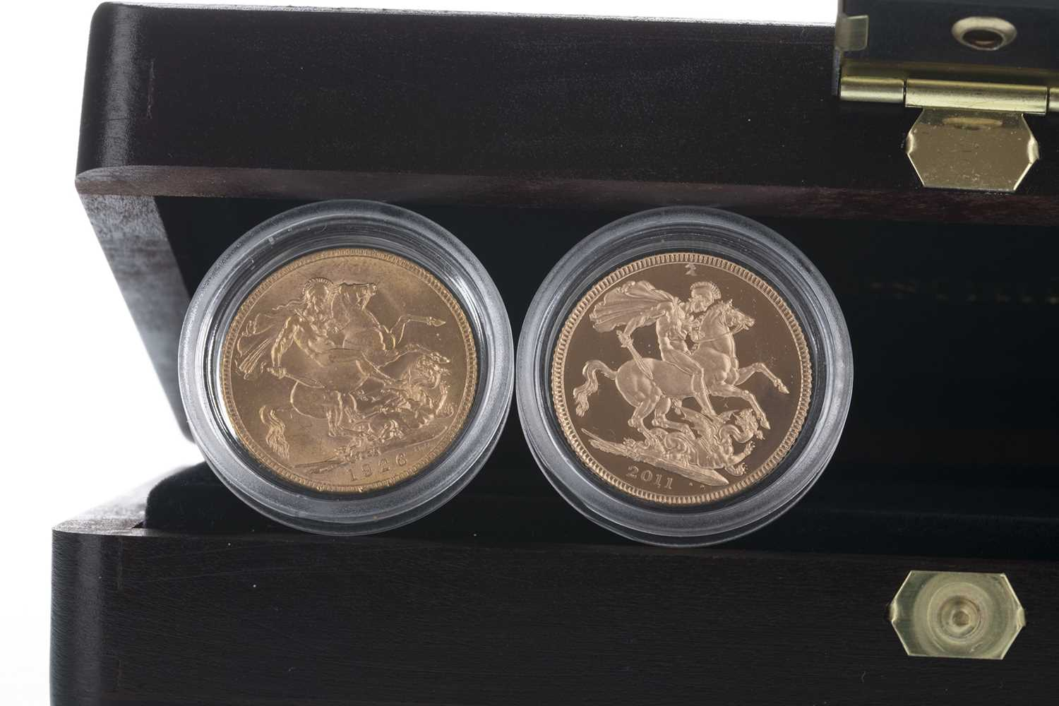 Lot 14-THE QUEEN ELIZABETH II (1952 - PRESENT) 85TH BIRTHDAY SOVEREIGN TWO COIN SET