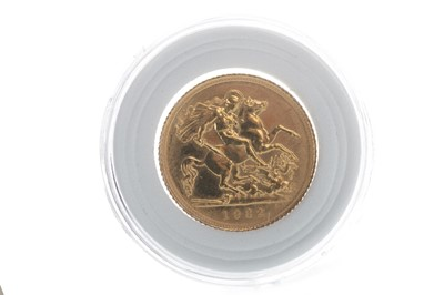 Lot 20-A QUEEN ELIZABETH II (1952 - PRESENT) GOLD SOVEREIGN DATED 1982