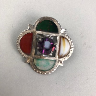 Lot 6-A SCOTTISH SILVER AND AGATE BROOCH