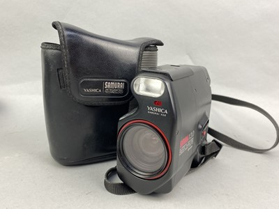 Lot 10-A COLLECTION OF CAMERAS AND ACCESSORIES
