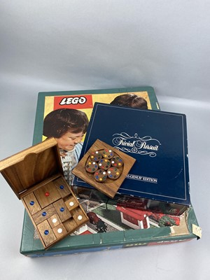 Lot 12-A LOT OF VINTAGE TOYS AND GAMES