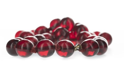 Lot 324-A BAKELITE BEAD NECKLACE