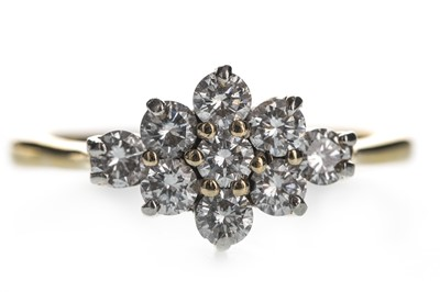 Lot 335-A DIAMOND CLUSTER RING