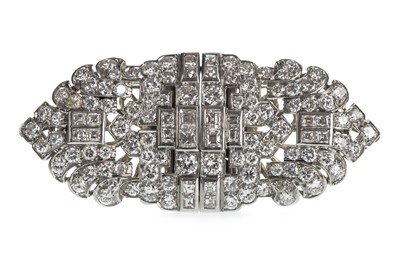 Lot 345-AN ART DECO DIAMOND CLIP BROOCH