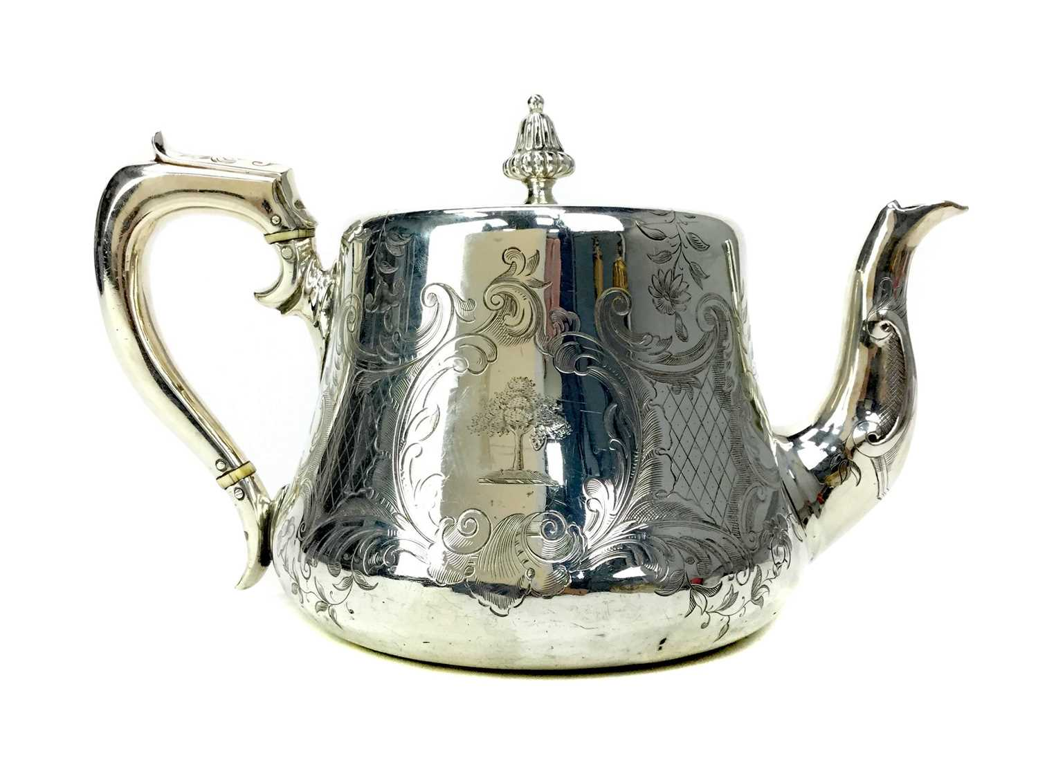 Lot 421 - AN EARLY VICTORIAN SILVER TEA POT