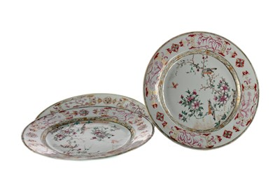 Lot 769 - A LOT OF THREE 18TH CENTURY CHINESE CIRCULAR PLATES
