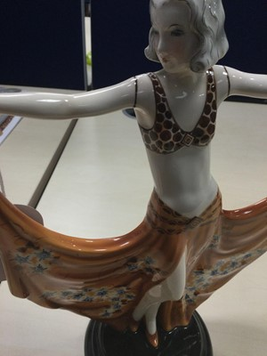 Lot 1013 - A GOLDSCHEIDER POTTERY ART DECO FIGURE OF A LADY, BY DAKON
