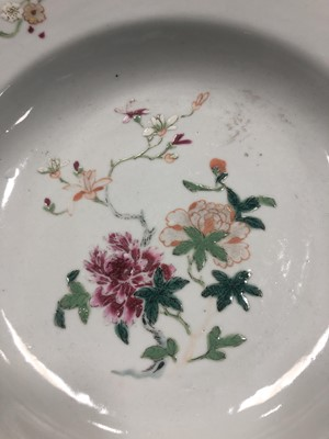Lot 789 - A LOT OF TWO CHINESE PLATES