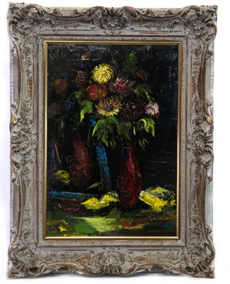 Lot 129 - CHRYSANTHEMUMS, AN OIL BY CHARLES MURRAY