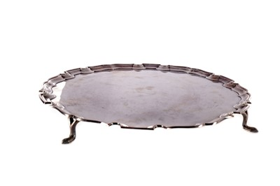 Lot 434 - A GEORGE V SILVER SALVER