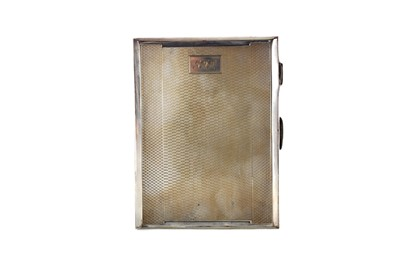 Lot 435 - A SILVER CIGARETTE CASE