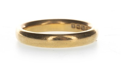 Lot 833-A GOLD WEDDING BAND