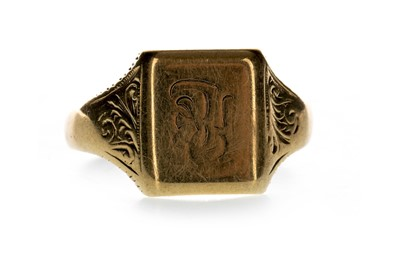 Lot 838-A GOLD SIGNET RING