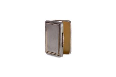 Lot 430 - A SILVER BICOLOUR VESTA BOX