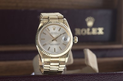 Lot 740-A UNISEX ROLEX OYSTER PERPETUAL DATEJUST EIGHTEEN CARAT GOLD AUTOMATIC WRIST WATCH
