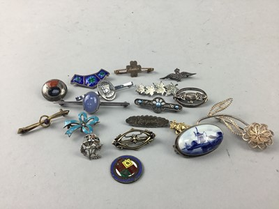 Lot 16-A COLLECTION OF VINTAGE SILVER AND OTHER JEWELLERY