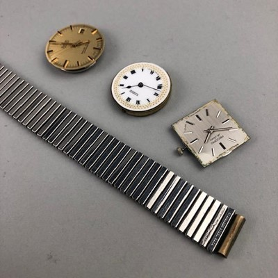 Lot 17-A LARGE LOT OF WATCH AND POCKET WATCH MOVEMENTS