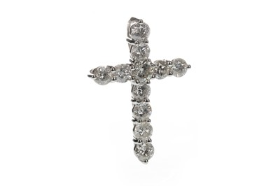 Lot 1307 - A DIAMOND CROSS PENDANT