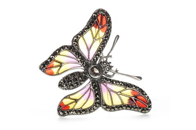 Lot 1309 - A PLIQUE A JOUR MOTH BROOCH