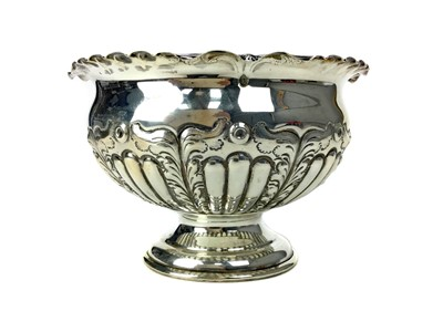 Lot 464 - AN EARLY 20TH CENTURY SILVER ROSE BOWL