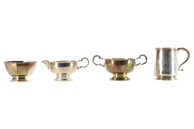 Lot 472 - A GEORGE V SILVER CUP ALONG WITH OTHER SILVER