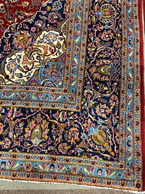 Lot 1385 - A FINE HAND KNOTTED WOOL PERSIAN CARPET