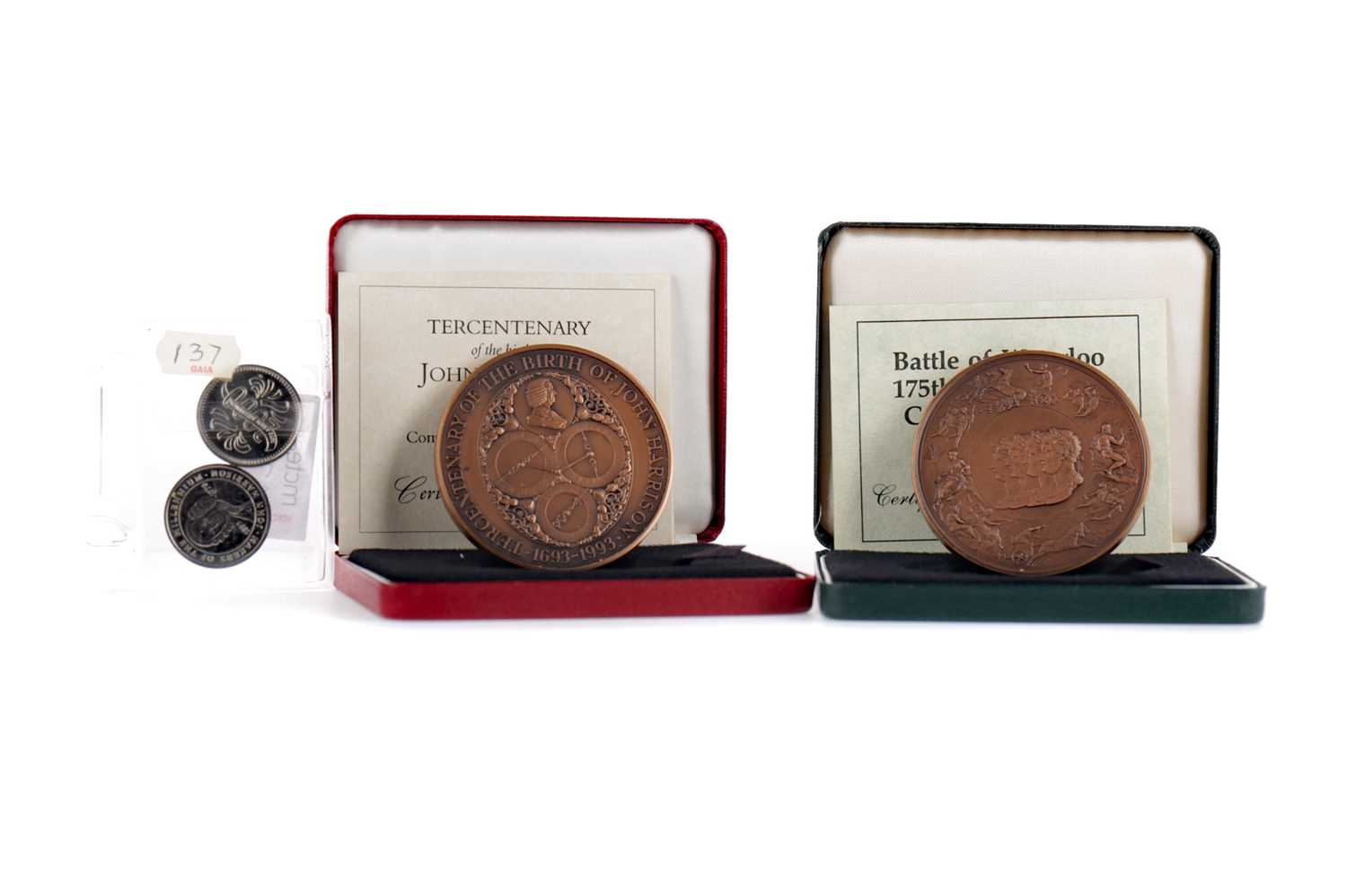 Lot 37 - A BATTLE OF WATERLOO COMMEMORATIVE BRONZE MEDAL BY THE ROYAL MINT